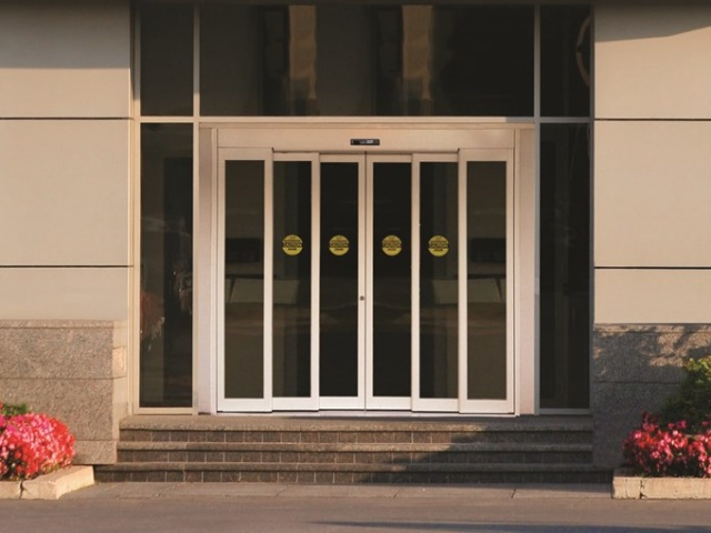 Telescoping Automatic Door
