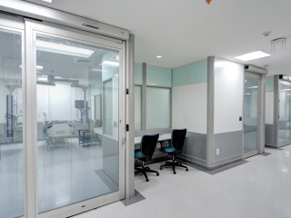 Touchless-sliding-ICU-door-1