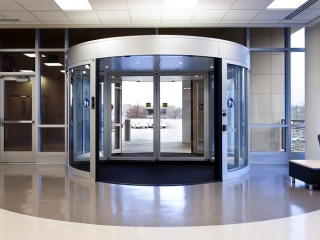 Two-wing-high-capacity-revolving-door-4
